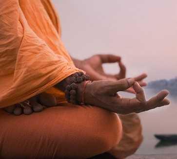 Los mudras del yoga Los Chakras