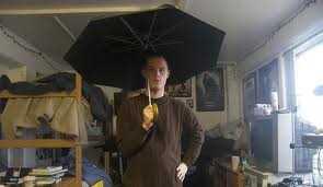 Abrir un paraguas dentro de casa Supersticiones